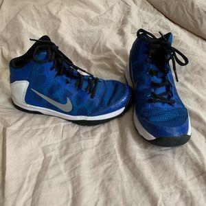 Nike boys basketball shoes size youth 5